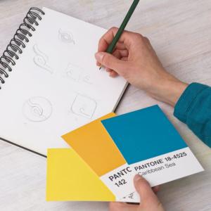 Nicole van Meegen gestaltet ein Logo Design